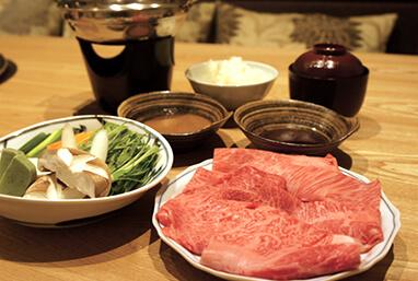 農家レストランだいきち 大津堅田店の鍋ランチ